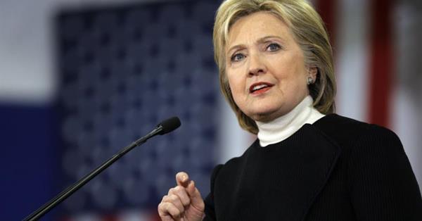 Google обвиняют в манипуляциях в пользу Хиллари Клинтон