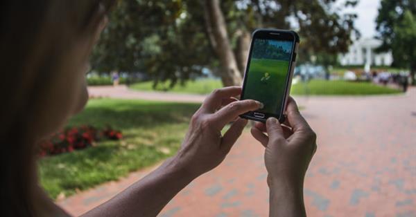 Пользователи уделяют Pokemon GO больше времени, чем Facebook