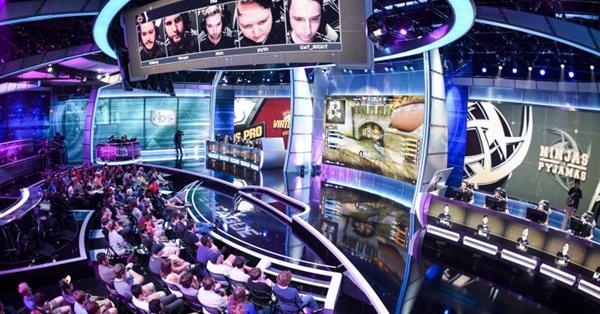 Twitter проведет первую трансляцию матчей Eleague по киберспорту