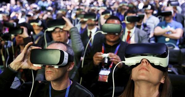 Пользователи Twitter все чаще говорят об устройствах AR и VR