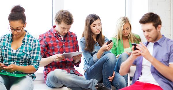 41% миллениалов в США посещает Facebook каждый день