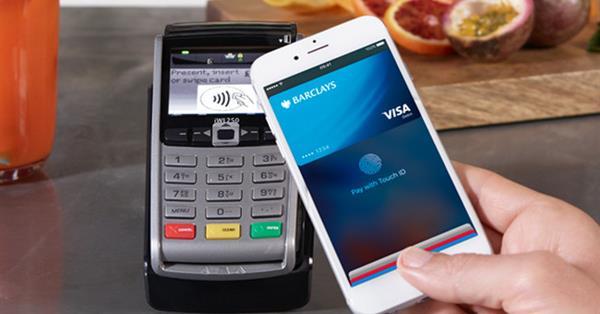 Платежи через Apple Pay стали доступны российским держателям карт Visa