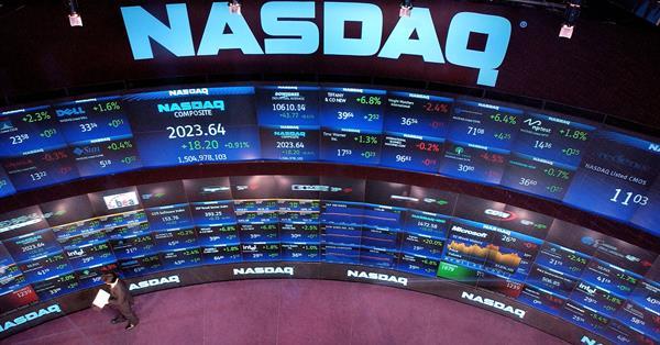 Стоимость акций Apple, Amazon и Microsoft сравнялась из-за сбоя на Nasdaq