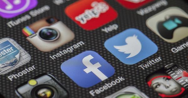 Facebook готовится запустить «Истории» для десктопа