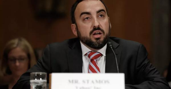 Алекс Стамос ответил на критику в адрес новостного алгоритма Facebook