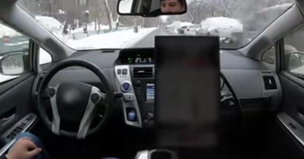 Яндекс провел испытания беспилотного автомобиля в зимней Москве