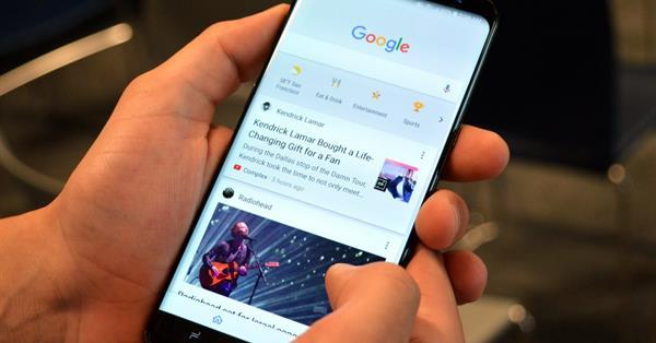 Google тестирует рекламу в ленте поискового приложения