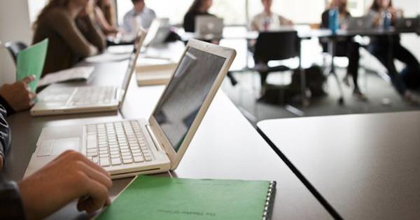 Все образовательные учреждения РФ до конца 2021 года подключат к интернету