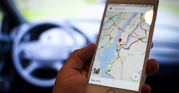 Google Maps предупредит водителей о камерах контроля скорости на дорогах