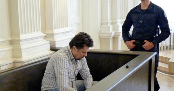 Житель Литвы и его сообщники обманом получили от Google и Facebook $122 млн