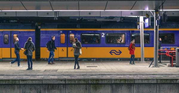 Карты Google научились прогнозировать загруженность поездов и автобусов