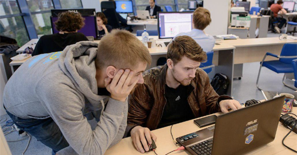 Яндекс и МФТИ открыли лабораторию исследований в области ИИ