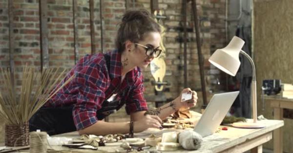 Потребители предпочитают покупать у компаний, разделяющих их идеи