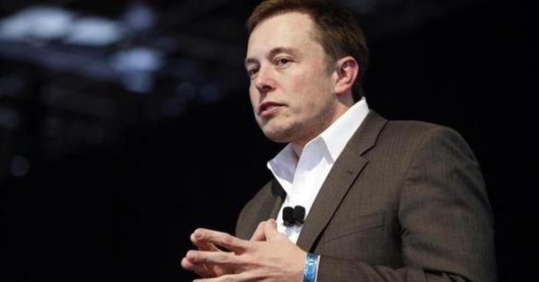 Илон Маск пожаловался, что в Google сложно найти солнечные панели Tesla
