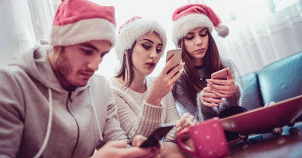 К Новому году россияне накупили смартфонов на 4 млрд рублей