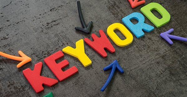 Google о разных результатах для ключевых слов в единственном и множественном числе