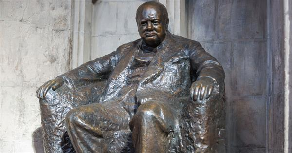 Google apologized for the disappearance of a photo of Winston Churchill from the Knowledge Network