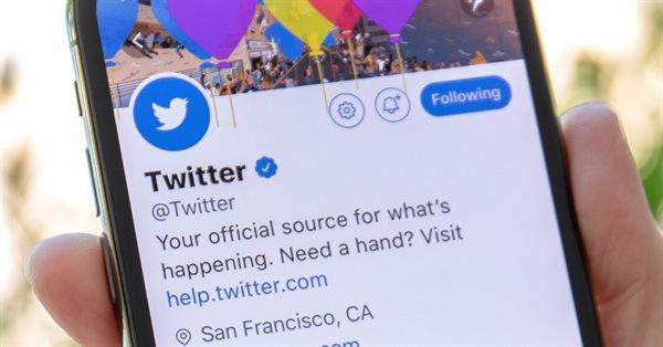 Twitter возвращает верификацию аккаунтов