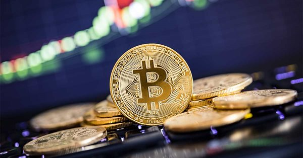 Цена биткоина впервые в истории достигла $58 тысяч