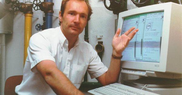 Тим Бернерс-Ли выступил в защиту аукциона по продаже исходного кода интернета